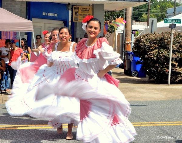 Clínica legal de ciudadanía en festival latino de Siler City