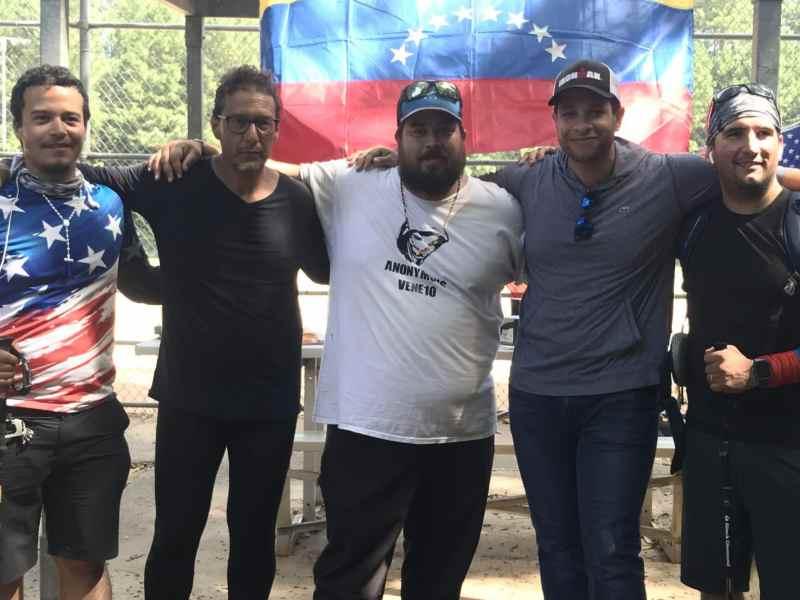 Venezolanos que caminan de Florida a Washington DC visitan Carolina del Norte