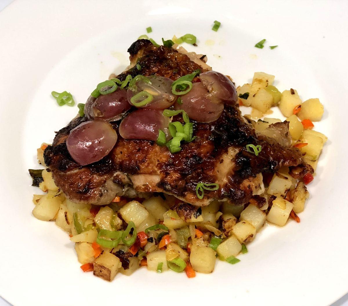 Pollo en salsa de uvas