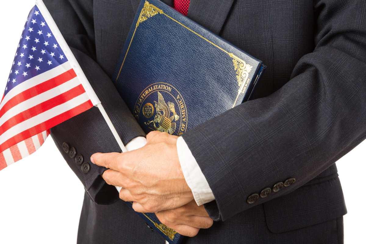USCIS anuncia plan para mejorar el examen de naturalización