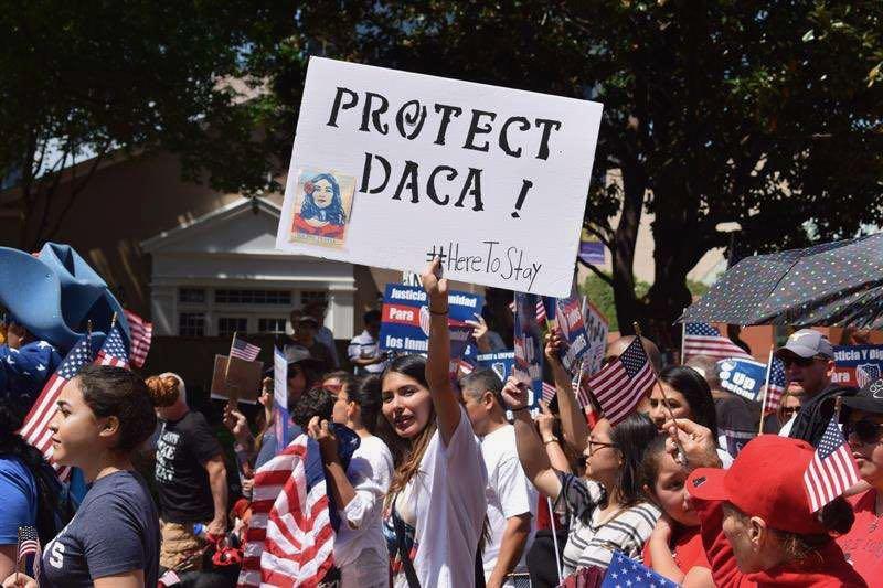 Corte Suprema escuchará el 12 de noviembre pruebas para mantener o eliminar DACA