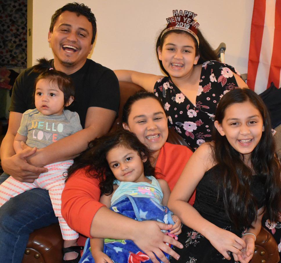 Familia se salva de ser echada a la calle gracias al apoyo de la comunidad
