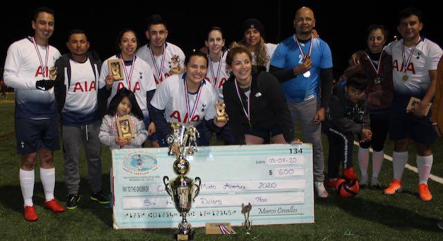 PSG MIX levanta el trofeo de campeón por primera vez