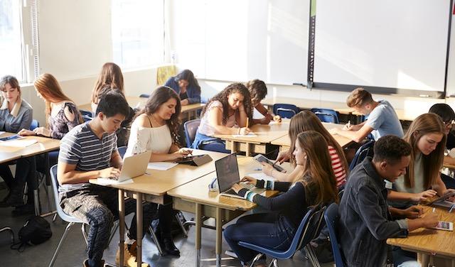 Programa ayuda a mejorar los resultados escolares de jóvenes latinos