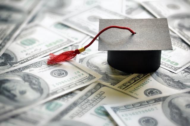 Ofrecen alivio a personas con préstamos estudiantiles durante la pandemia COVID-19