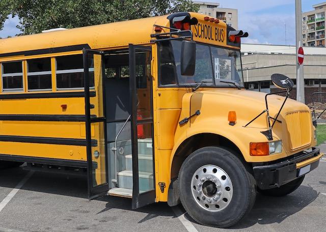 Autobuses serán puntos de Wi-Fi para el aprendizaje