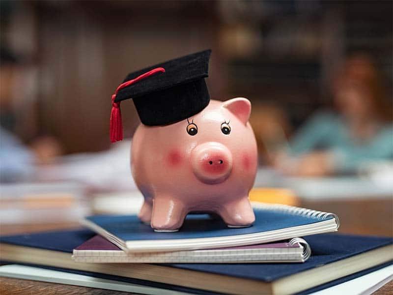 Exhortan a Departamento de Educación a no embargar ingresos de estudiantes