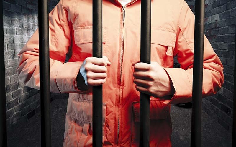 Más de 300 personas infectadas con COVID-19 en la prisión federal de Butner