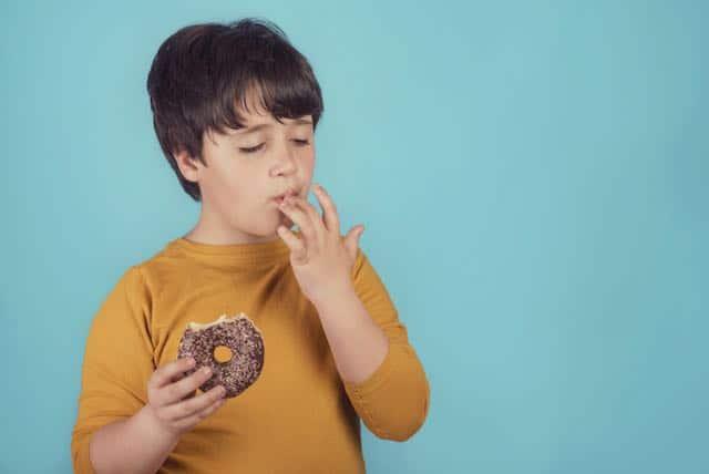 Niños con sobrepeso pueden ser adultos obesos