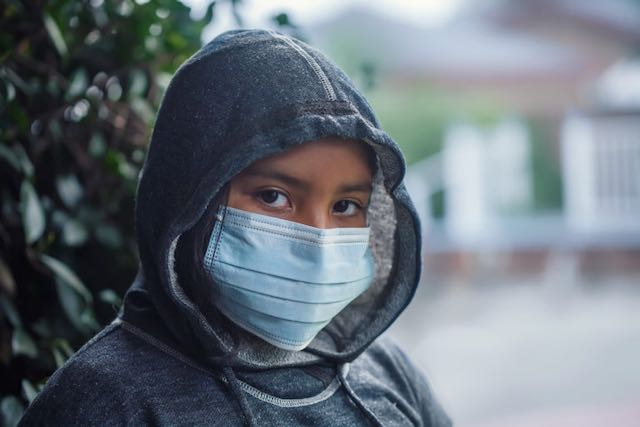 Latinos representan 1 de cada 4 casos de COVID-19 en Buncombe