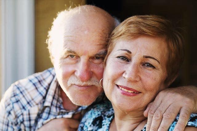 ¿Cuáles son las necesidades emocionales de las personas de edad avanzada?