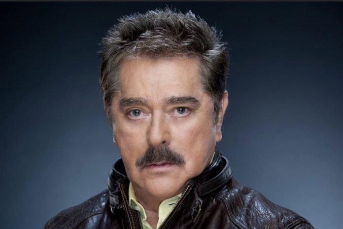 Actor mexicano Raymundo Capetillo muere por COVID-19