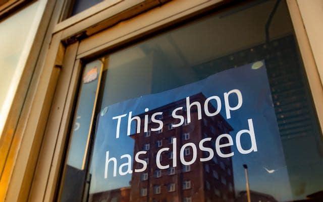 Tiendas de ropa y accesorios cerrarán