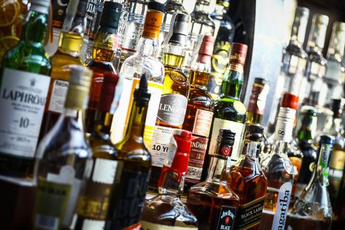 Carolina del Norte prohibe la venta de alcohol despues de las 11:00 p.m.