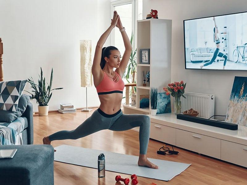 descubre-los-beneficios-de-hacer-yoga-para-calmar-el-estres