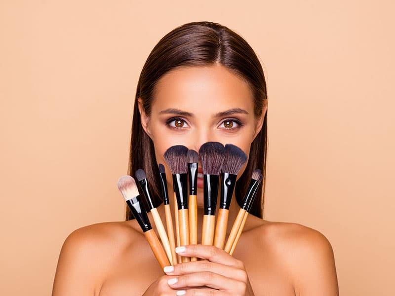 desde-cuando-no-lavas-tus-brochas-de-maquillaje-ideas-para-tener-un-maquillaje-seguro