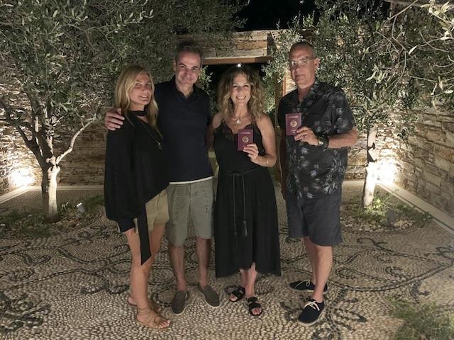Tom Hanks y Rita Wilson ahora son ciudadanos de Grecia