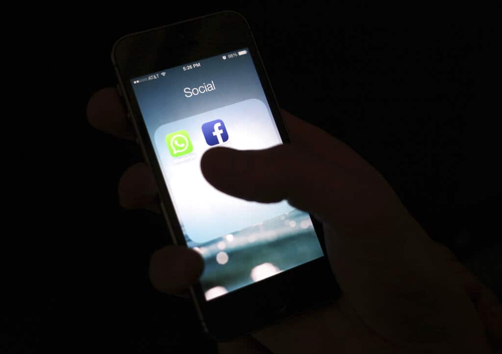 Facebook advierte que el nuevo iOS 14 de Apple podrá afectar publicidad