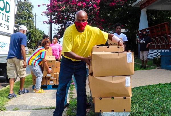 Organizaciones donan comida en Raleigh para solventar crisis por coronavirus