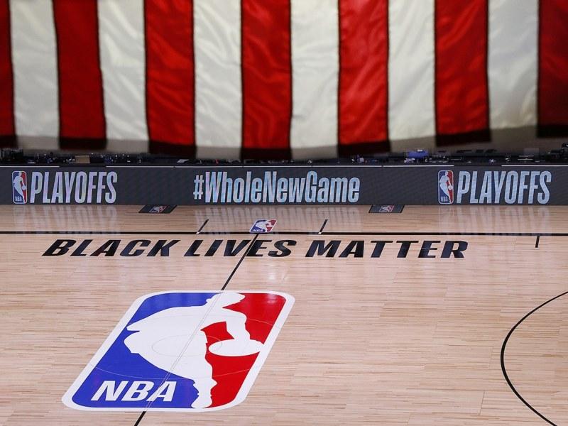 NBA y jugadores deciden reanudar Playoffs