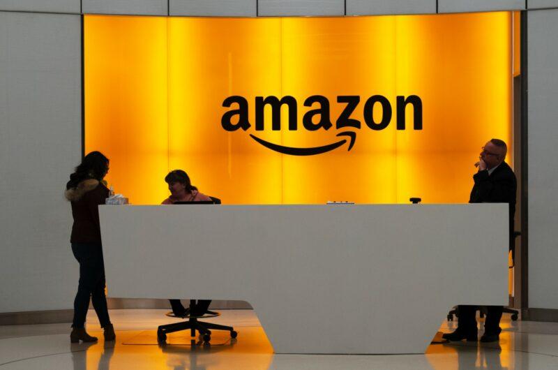 Amazon tratará empleados