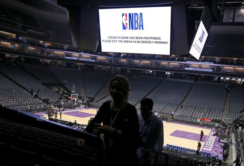 NBA expulsa a jugador