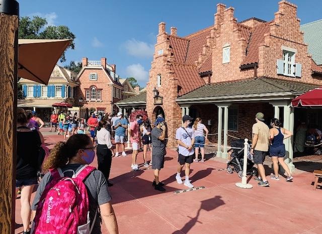 Parques de Disney y Universal llegan a su máxima capacidad en Labor Day