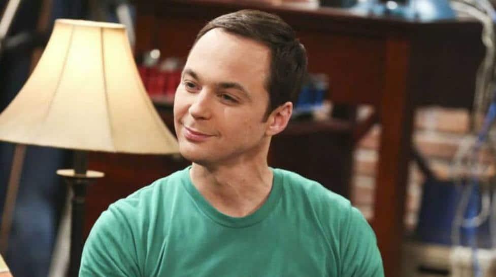 Jim Parsons tuvo Covid-19 y hasta reaccionó como si fuera Sheldon Cooper