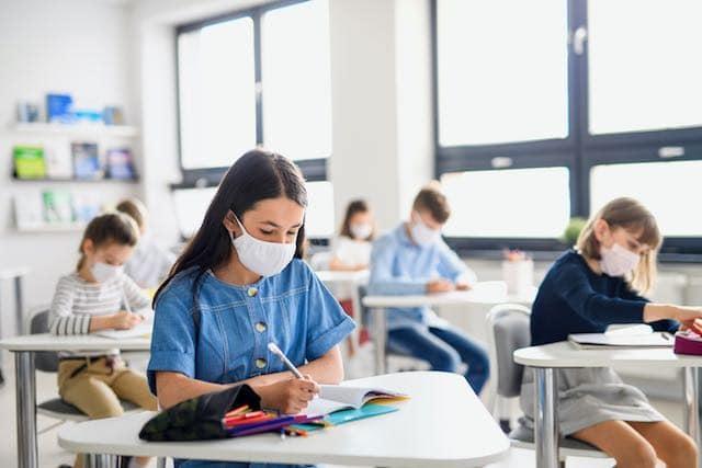 Las escuelas primarias pueden abrir a tiempo completo en Carolina del Norte