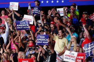 Presidente Trump viola las medidas de COVID-19 durante su visita en Carolina del Norte