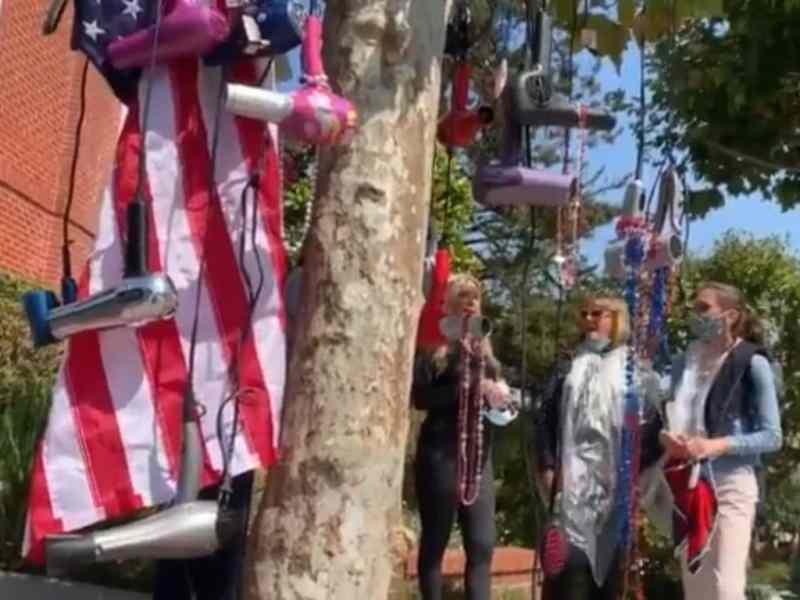 Protestaron frente a casa de Pelosi por ir a peluquería sin mascarilla