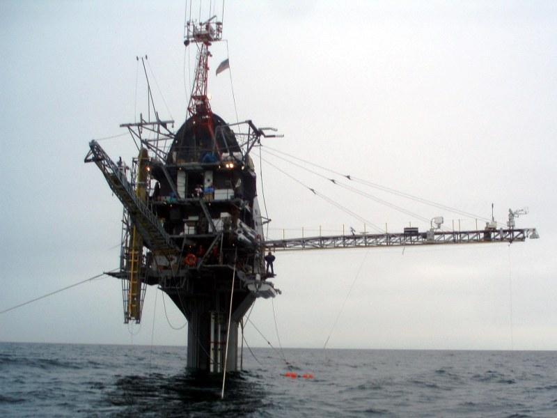 Barco que se hunde en vertical