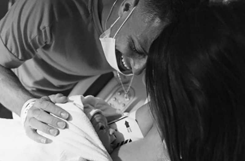 Chicharito y Sarah Kohan recibieron a su segundo bebé