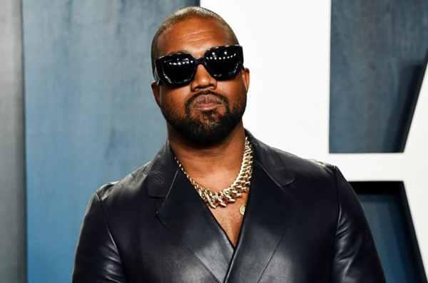 Kanye West presume fortuna