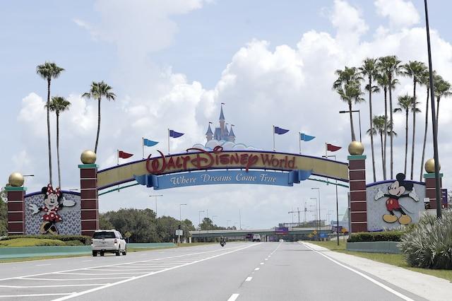 Disney despedirá a 4 mil empleados más de sus parques temáticos