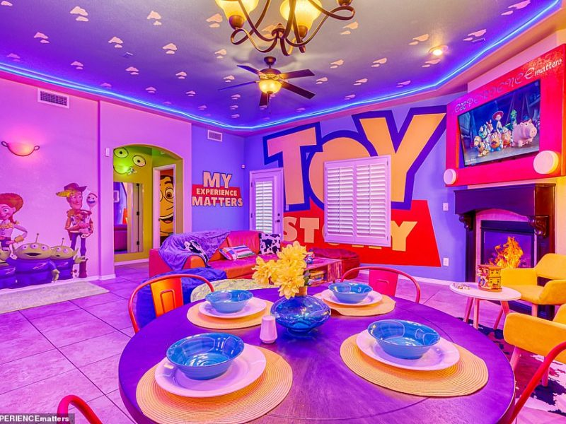 Toy Story Casa Airbnb