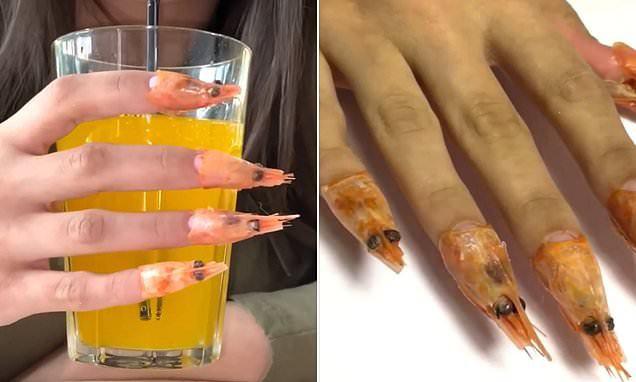Salón de belleza ruso ofrece manicura con hecho ¡con colas de camarón!