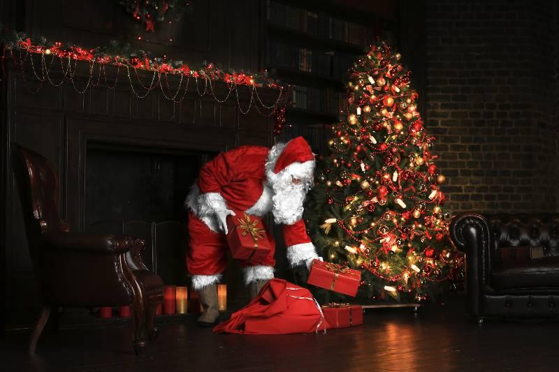 quien-trae-los-regalos-en-navidad-conociendo-a-papa-noel-santa-claus-san-nicolas-y-al-nino-jesus