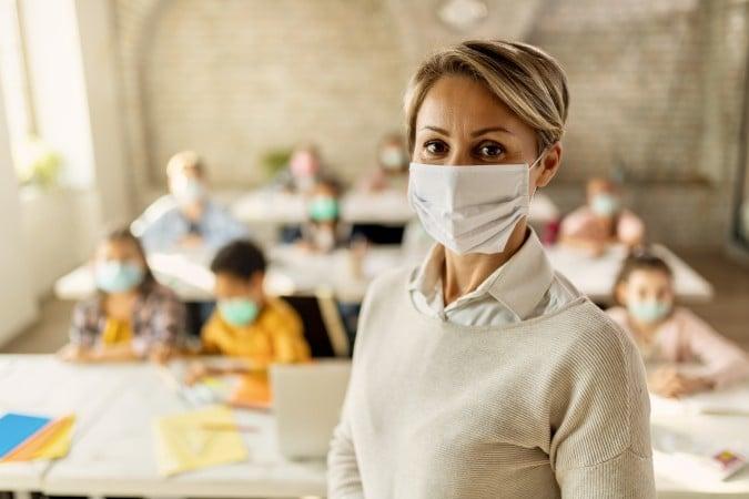 CMS solicita que se priorice al personal para la vacuna COVID-19