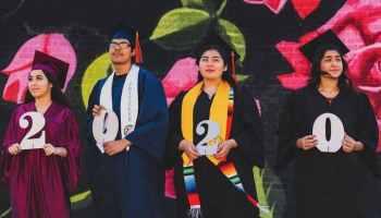 ofrecen-becas-universitarias-para-estudiantes-latinos-de-charlotte