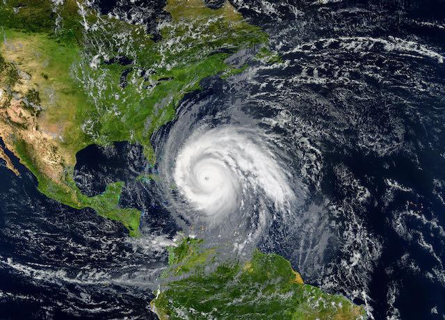 Rara tormenta tropical en diciembre podría impactar al Caribe