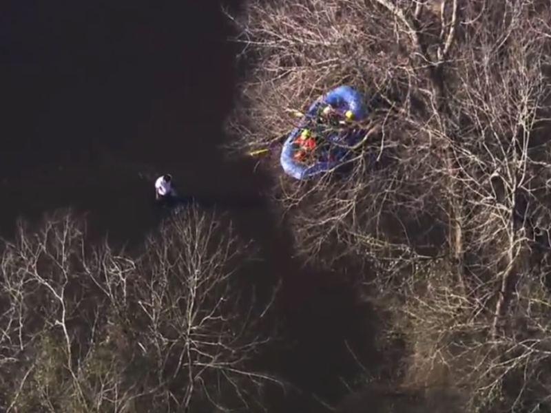 Rescate hombre en río de Carolina del Norte