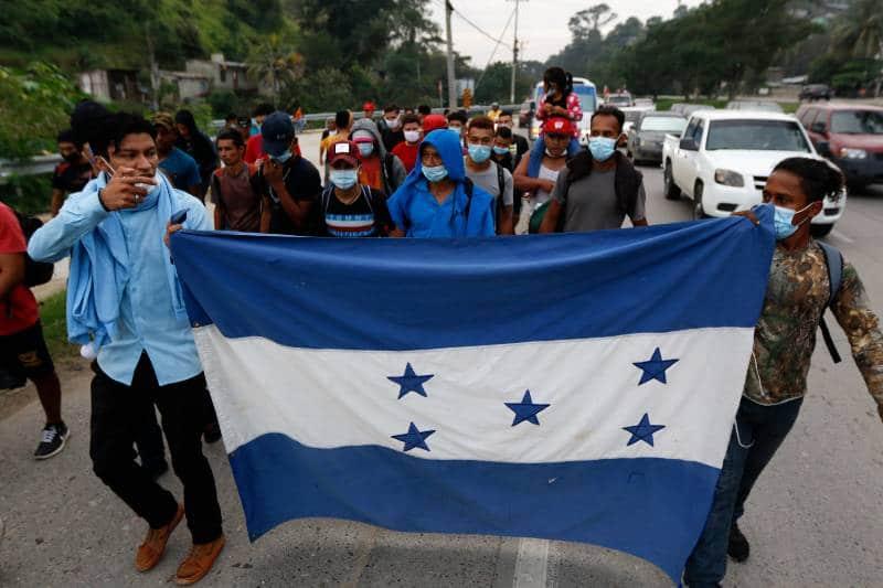 migrantes-hondurenos-marchan-en-nueva-caravana-hacia-estados-unidos