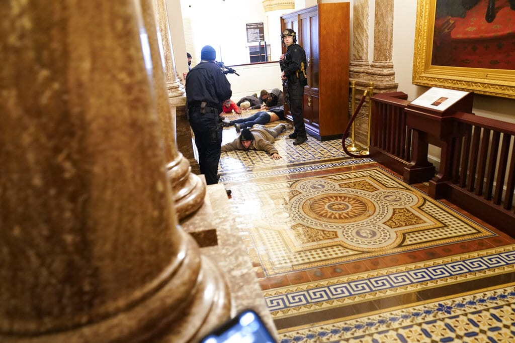 Caos y violencia la toma del Capitolio en fotos