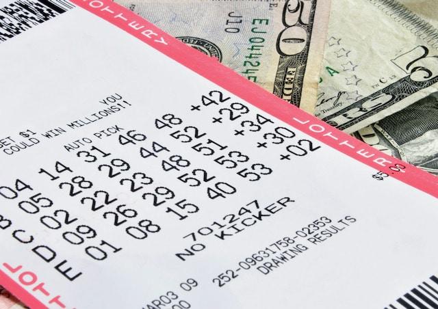 Mujer de Carolina del Norte que ganó una lotería de $188 millones es demandada por su ex-pareja encarcelado