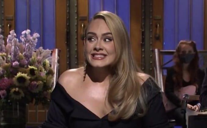 Adele está oficialmente divorciada