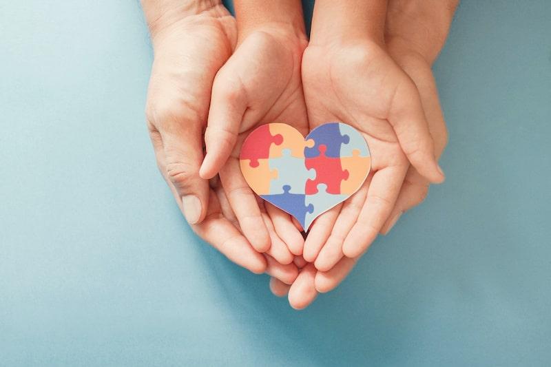 Ciertos cuidadores y personas con autismo califican para la vacuna COVID-19