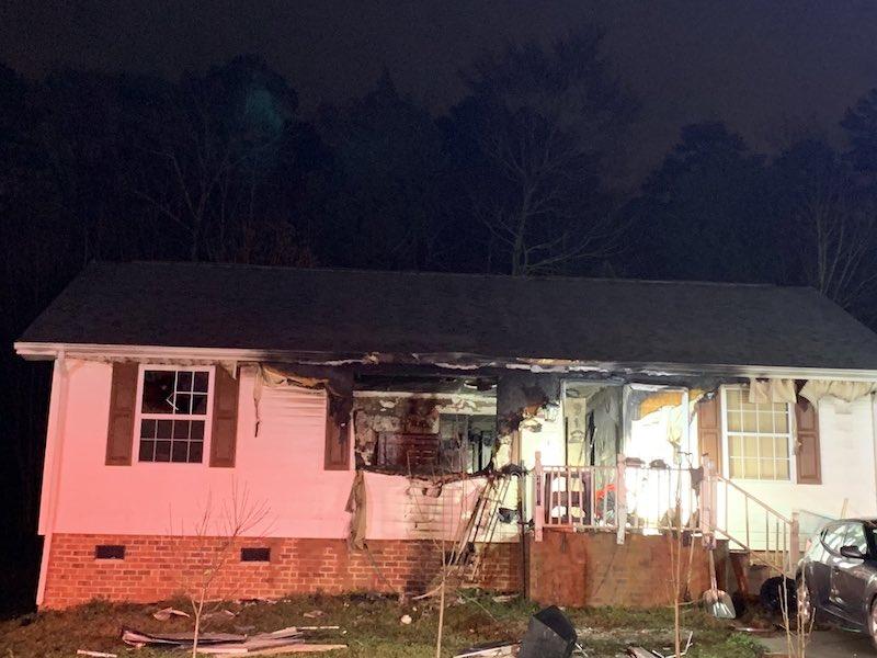 Una persona muere en incendio intencional en Charlotte