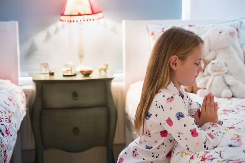 oraciones-que-todo-nino-debe-aprender-en-su-infancia