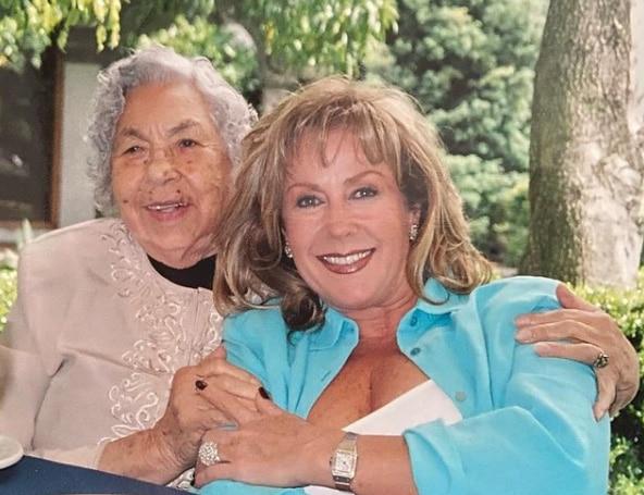 Abuela de Thalía y Laura Zapata salió del hospital